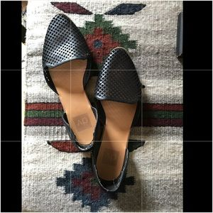 Dolce Vita Paige perforated black flats